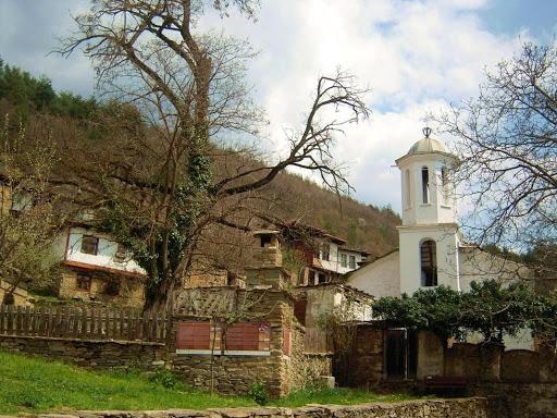 Leshten Köyü Kilisesi