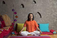 Apart otel Lucky Bansko | Yoga gurusu Prakash yoga pozundan fotoğrafı