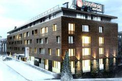 Apart otel Lucky Bansko|Otelin kar ile kaplı cephesi