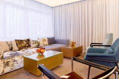 Lucky Bansko SPA & Relax Aparthotel'de yenilenmiş lobi bar