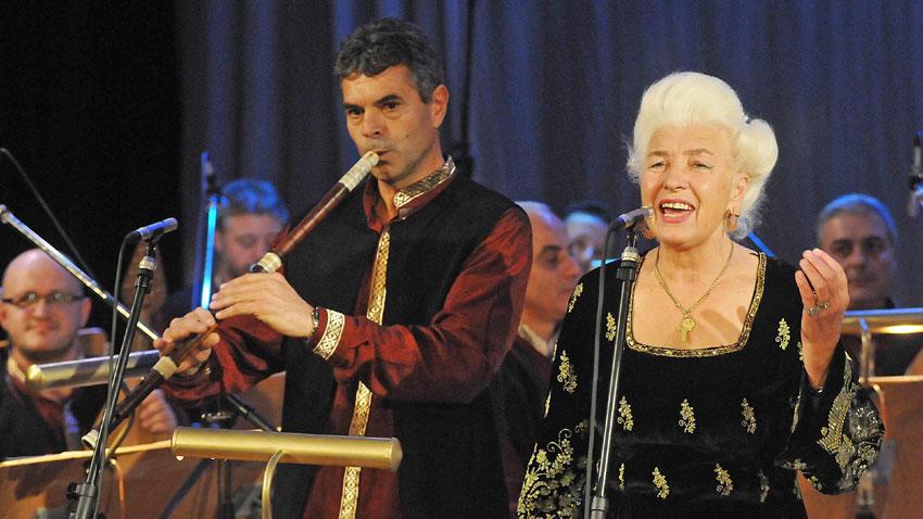 Yanka Rupkina folklor şarkıcısı