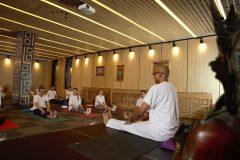 Kamal ile bir yoga dersi alın